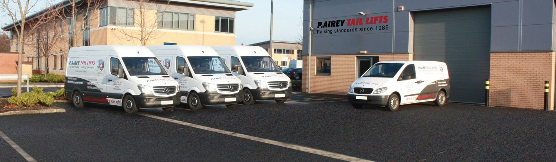 Vans Outside P. Aireay Tail Lifts HQ